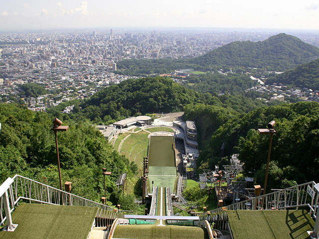 B 【Sapporo Afternoon Tour】Mt. Okura and Hitsujigaoka Observation Hill Tour(Multilingual Audio Tour)